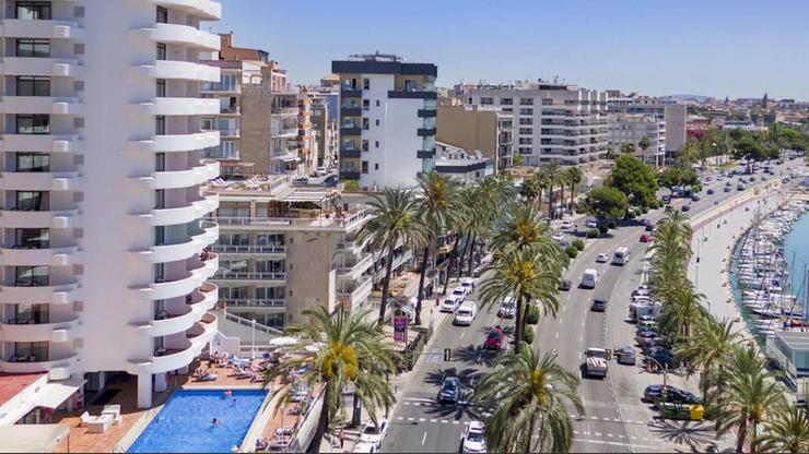 """Uczniowie """"uwięzieni"""" w hotelu na Majorce. Szefowa służby zdrowia oskarżona"""