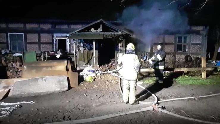 Świniary: pożar domu tuż przed Bożym Narodzeniem. Fala pomocy dla poszkodowanej rodziny