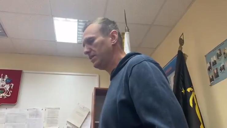 Rewizja w mieszkaniu Nawalnego. Policja zabrała brata opozycjonisty