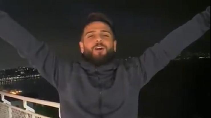 Kibice Napoli w kwarantannie… śpiewają z balkonów. Dołączył Insigne (WIDEO)