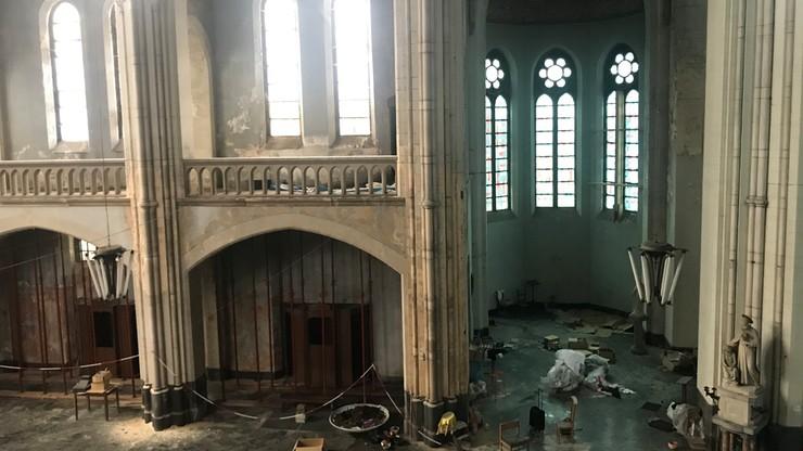 """Belgia: kościół zmieniony w szkołę cyrkową. """"Smutno go widzieć w takim stanie"""""""