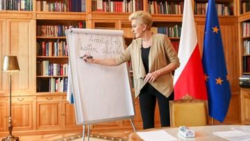 Pierwsza dama prowadzi wirtualne lekcje niemieckiego