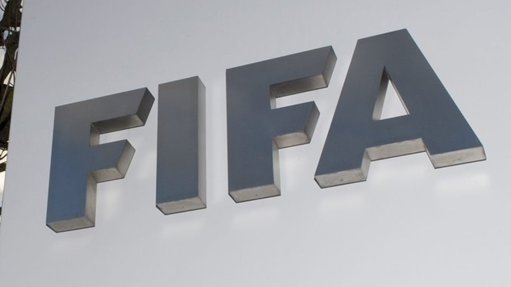 Kontrakty piłkarzy przedłużone do końca sierpnia? FIFA pracuje nad rozwiązaniem