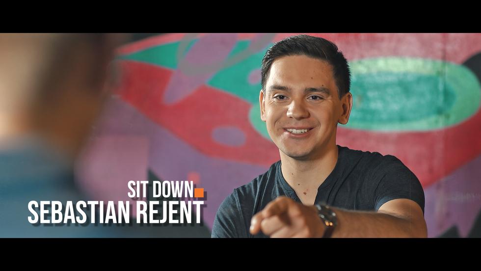 Sit down. Rozmowy o stand-upie #9 Sebastian Rejent